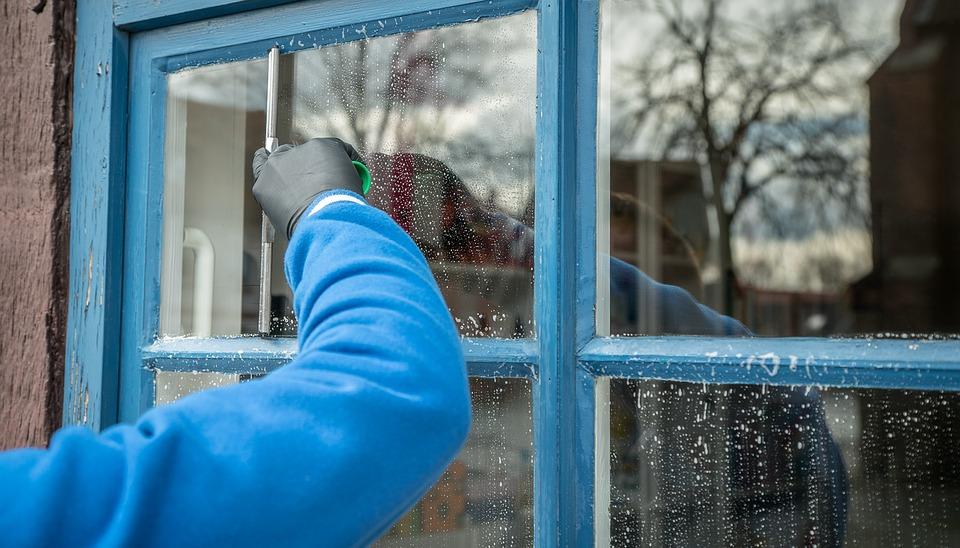 Entretenez et nettoyez désormais votre vitrage de maison sans laisser de traces